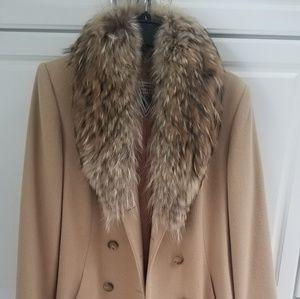 Wool coat with fur collar
